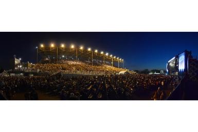 27_grandstand